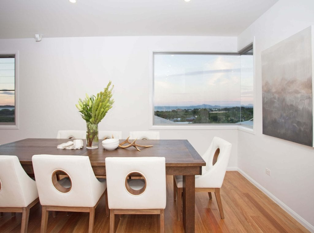Coral Ridge, Dining Room with corner window