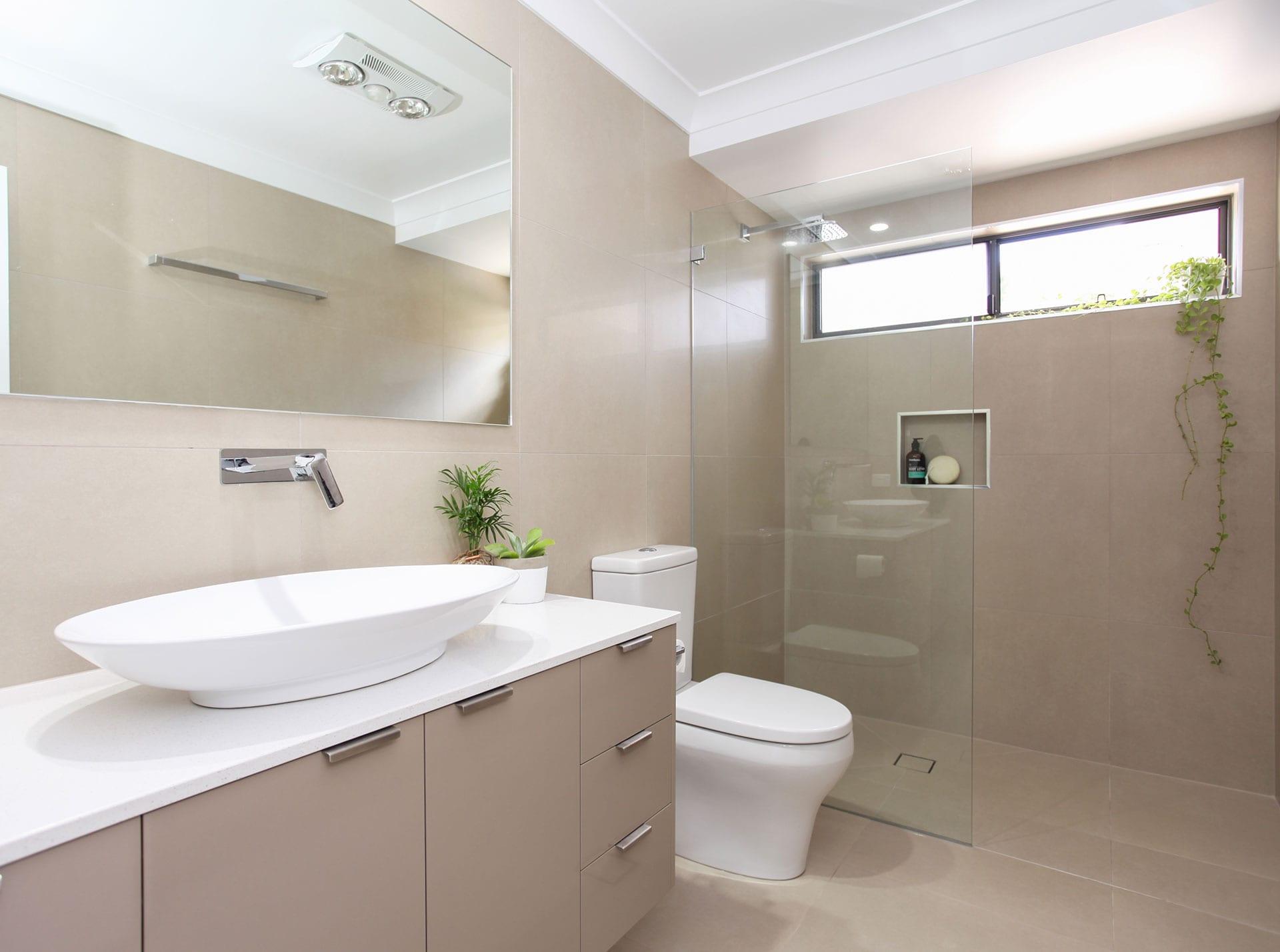 Roy Court, Bathroom
