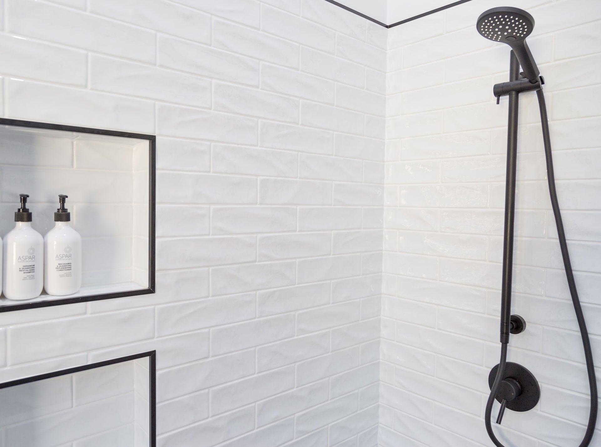 McIntyre Main bathroom